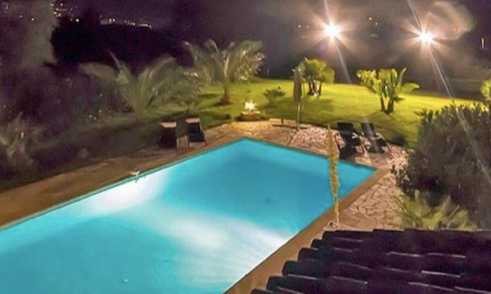 Villa - Garden in Cannes - 3,500m2 €375