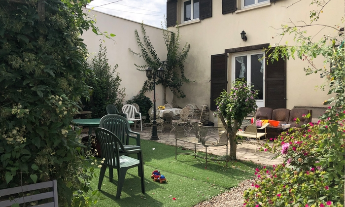 10-day Paris country house for evening/wedding/ann €100