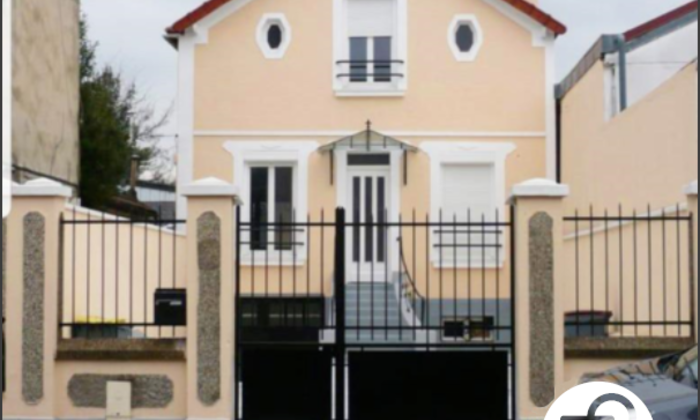 Villa with indoor courtyard covered €79