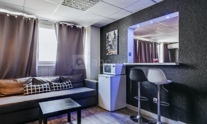 Black Lounge €90
