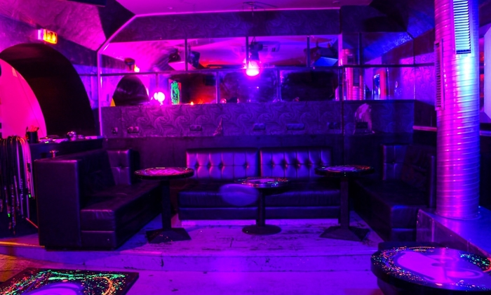 Bar with atmosphere (Location - privatisation) €150