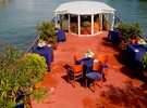 Private lounge on the banks of the Seine €250